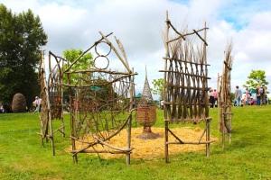 Midsummer fete Plant weaving installation